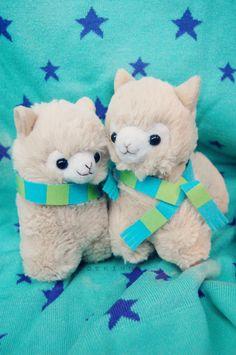 The alpacas is so kawaii. Alpacas, Alpaca Plushie, Llama Alpaca, Kawaii Alpaca, Kawaii Plush, Cute Stuffed Animals, Cute Animals, Baby Girl Wishes, Kawaii Shop