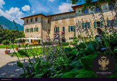 """#Villa Bortolazzi.  #Ville antiche. """"L'eleganza è la sola bellezza che non sfiorisce mai"""" Audrey Hepburn"""