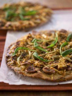 Makkara-hapankaalipizza - Olisiko sunnuntai oikea päivä tällaiselle herkulle? Vai sittenkin jo perjantai?