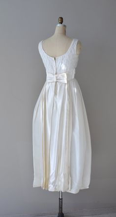 60s wedding dress / 60s dress / Love Me Tender gown