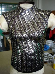 From Wikiwand: Eragon (film) Dragon Scale Armor, Costume Armour, Armor Clothing, Armadura Medieval, Cosplay Armor, Larp Armor, Female Armor, Armor Concept, Leather Armor