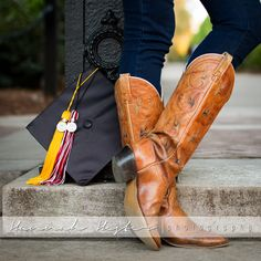 Unique graduation photo ideas. Shoes and the cap. Especially if the shoes are unique! Click for more graduation photo ideas! #graduation