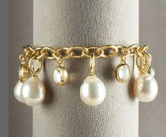 Baroque Pearl Bracelet. 18k yellow gold setting. Cultured South Sea pearl drop. 13.85 carat. moonstone detail. by wanting
