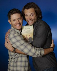 Thanks guys for all the feels Supernatural Facts, Supernatural Jensen, Supernatural Wallpaper, Supernatural Seasons, Supernatural Convention, Jensen Ackles, Jensen And Misha, Sam E Dean Winchester, Winchester Brothers