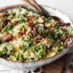 Couscous with dates, almonds and mint - recipes - Real Food Recipes, Vegetarian Recipes, Cooking Recipes, Healthy Recipes, Sausage Recipes, Chicken Recipes, Mint Recipes, Meal Prep Bowls, Healthy Meal Prep