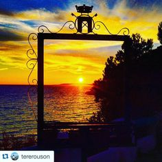 Sunset by @tererouson!  Check out the instagram of this amazing photographer.  #sunset#sunsets#sunsetlovers#sunset_madness#love#happiness#wanderlust#explore#travel#discover#paradise#nofilter#nofiltersneeded#conclusion#ocean#sea#door#doorframe#art#artcanvas#god#godisgood by sunsetgram234