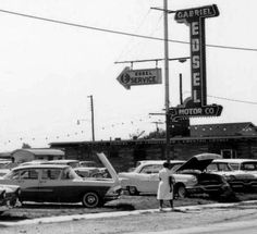 Used Car Dealership 1960u0027s & Old Ford Dealership | Old Car Dealerships and transports ... markmcfarlin.com