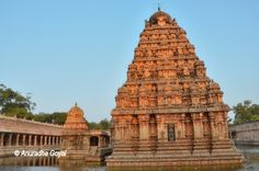 Airavatesvara temple at Darasuram, Tamil nadu a Unesco world heritage site built by Chola dynasty in century CE. Lord Shiva was worshipped as Airavata. Chola Temples, Chola Dynasty, Weather In India, Backpacking India, Temple Architecture, India Culture, Visit India, India Tour, Hindu Temple