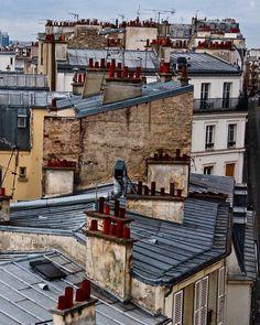 How beautiful is this Parisian rooftop shot? Paris Rooftops, Paris Illustration, Grand Paris, Spanish Tile, Beautiful Streets, Paris Ville, World Cities, Urban City, Paris Photos