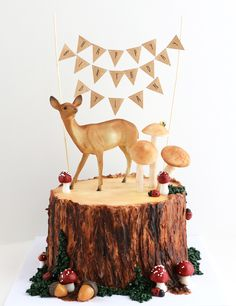 The Lumberjack Cake:是木頭還是蛋糕?眼見不為憑的蛋糕藝術! ‧ A Day Magazine Woodland Cake, Woodland Party, Woodsy Cake, Forest Party, Beautiful Cakes, Amazing Cakes, Tree Stump Cake, Nature Cake, Queens Food