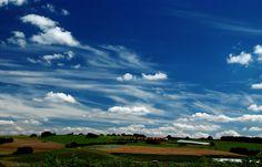 Sommerhimmel.... War gestern mal etwas durch`s Saarland gefahren. Und einige Fotos gemacht. Auch in der Nähe von Heusweiler. :-)