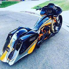 Harley Davidson News – Harley Davidson Bike Pics Harley Bagger, Bagger Motorcycle, Harley Bikes, Motorcycle Style, Motorcycle Garage, Futuristic Motorcycle, Custom Baggers, Custom Choppers, Custom Harleys