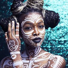 African works of art african tribal makeup, tribal face, african art, afric Black Women Art, Beautiful Black Women, Black Girls, African Beauty, African Art, African Face Paint, African Women, African Makeup, African Culture