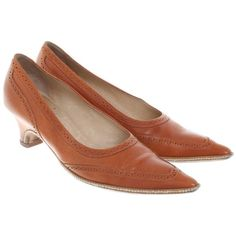 Pre-owned pumps leather in Cognac Brown (745 DKK) ❤ liked on Polyvore featuring shoes, pumps, brown, real leather shoes, wide heel pumps, cognac pumps, dries van noten pumps and chunky-heel pumps