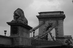 Fotografía:Europamundo Bratislava, Tour Berlin, Brooklyn Bridge, Budapest, Lion Sculpture, Statue, Travel, Art, Dresden