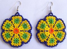 Huichol Beaded Flower earrings by Aramara on Etsy Seed Bead Earrings, Flower Earrings, Beaded Earrings, Etsy Earrings, Beaded Jewelry, Crochet Earrings, Jewellery, Beading Tutorials, Beading Patterns