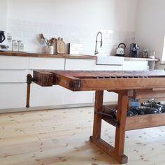 esstische einstige hobelbank als esstisch mit charakter ein designerst ck von struktur im. Black Bedroom Furniture Sets. Home Design Ideas