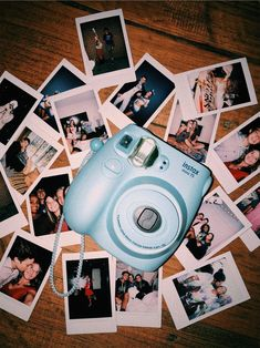 Camera Polaroid - Great Article With Plenty Of Insights About Photography Poloroid Camera, Polaroid Instax, Instax Mini Camera, Vsco Pictures, Polaroid Pictures, Polaroids, Bff Pictures, Polaroid Quotes, Instax Mini Ideas