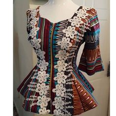 Today, Ankara prints are gaining popularity being used by fashion designers who transformed the traffic into stunning styles. Adding Ankara prints to wardrobe can be a great way to give… African Maxi Dresses, Latest African Fashion Dresses, African Dresses For Women, African Print Fashion, Africa Fashion, African Attire, Ankara Fashion, African Print Dress Designs, Trendy Ankara Styles