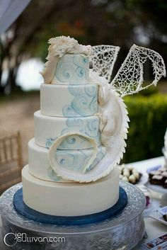 I want this cake!!!!