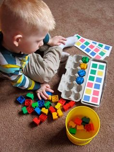 Montessori from egg boxes Montessori Activities, Preschool Learning, Infant Activities, Fun Learning, Preschool Activities, Learning Colors, Teaching Math, Toddler Play, Toddler Learning