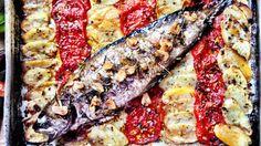 (Ottolenghi's Mediterranean Island Feast): Kuskus grillattujen kirsikkatomaattien ja yrttien kanssa Kanapyörykät ja relissi säilötyistä sitruunoista ja harissasta Friteerattua vuohenjuustoa tomaatti-basilikasalsan kanssa  Juustoinen jälkiruoka kirsikoiden ja murupaistoksen kanssa