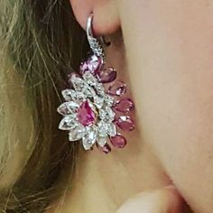 VAK #highjewellery #rosecutdiamonds #vakisback #pinksapphires #earrings