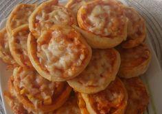 Onion Rings, Waffles, Baking, Breakfast, Cake, Ethnic Recipes, Food, Pizza, Morning Coffee