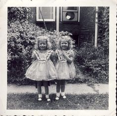 IDENTICAL TWIN GIRLS in Matching Dresses Photo 1955
