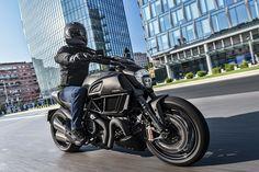 2016 Ducati Diavel Carbon Revealed