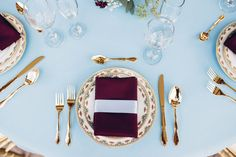 I fell in love with the dusty blue and burgundy wedding color combination a few years back when I seen it used in an inspiration board. It's a color combination Modern Victorian Wedding, Modern Vintage Weddings, Burgundy And Blush Wedding, Red Wedding, Types Of Wedding Cakes, Wedding Color Combinations, Dusty Blue Weddings, Fall Wedding Decorations, Wedding Inspiration