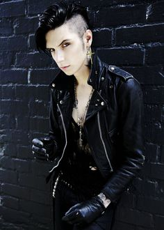 (Band Challenge) Day 2: Favorite band member - I am well aware that nearly everyone says Andy, but there is something about his warm, humble personality and general charisma (never mind extreme intelligence, which I always admire in people) that makes me choose him.