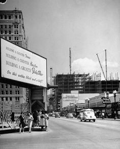 Construction of Foley's in downtown Houston, 1946