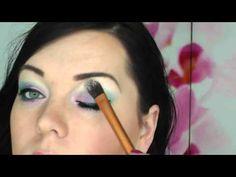 Techniky aplikace rozjasňovače / How to use highlighter on face