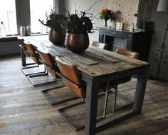 Here are 16 awesome ideas for diy Christmas decorations. Apartment Table, Dining Table, Industrial Dining, Dining Room Decor, Dining Room Industrial, Wooden Dining Tables, Dining Room Table, Rustic Dining Table, Metal Dining Room
