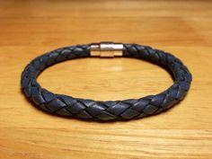 Blauw gevlochten leren armband voor mannen - Denim Blue armband, mannen armband, Denim Blue sieraden, echt leder accessoires, Magnetic Snap