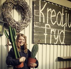 Vi har handlet inn kaktus til blomsterbutikken Kreativ Fryd. Ladder Decor, Home Decor, Creative, Decoration Home, Room Decor, Interior Design, Home Interiors, Interior Decorating