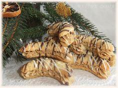 Plněné rohlíčky Slovak Recipes, Czech Recipes, Hungarian Recipes, Christmas Candy, Christmas Baking, Christmas Cookies, Xmas, Arabic Food, Desert Recipes