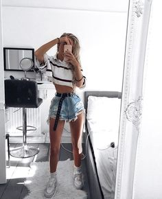 Minimalist And Simple Outfit Ideas Perfect for Summer – Trendy Fashion Ideas Edgy Outfits, Rave Outfits, Girl Outfits, Fashion Outfits, Fashion Trends, Fashion Ideas, Look Fashion, Teen Fashion, Socks Outfit