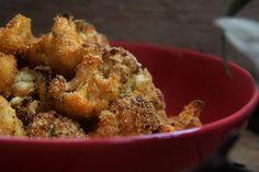 Quem é que resiste? Panadinhos de Couve Flor feitos no forno. Ótimo para servir com um molho como entrada ou como acompanhamento de um prato principal!