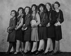 The Womack Sisters. (May, Shirley, Lorna, Flora, Kathleen, Ethel and Edna)The Womacks were a family act who played ukuleles, sang and did magic tricks. The act folded in 1932 when Kathleen Womack eloped and ran away with her boyfriend.