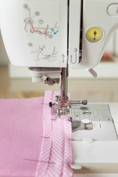 Mar de ideas diy love sewing, learn to sew, sewing tools, sewing tutorials, Sewing Basics, Sewing Hacks, Sewing Tutorials, Sewing Crafts, Sewing Projects, Sewing Patterns, Techniques Couture, Sewing Techniques, Sewing Lessons
