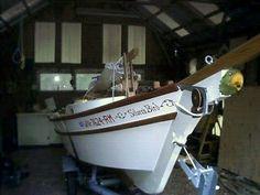Small Sailboats, Small Boats, Boat Building, Weekender, Sailing, Deck, Nautical, Ships, Projects