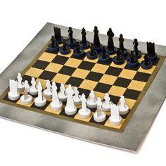 Matt sono due cartoncini accoppiati formato A4 contenente i pezzi bianchi e i pezzi neri di una scacchiera. I pezzi sono da montare tra loro e vanno completati applicando tappi di bottiglia in plastica alla base di ogni singolo componente. Viene fornita anche una scacchiera in carta paglia in formato cm 35 x cm …