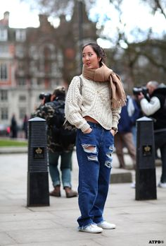 Shini Park and a lesson in how to be casual and cool. All the pretty birds » LFW DAY 2