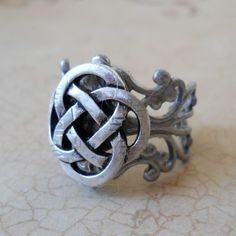 Celtic Knot Antiqued Silver Unisex Ring by EnchantedLockets Celtic Knot Ring, Celtic Rings, Antique Jewelry, Antique Silver, Grunge Jewelry, Steampunk Rings, Fantasy Jewelry, Jewelry Accessories, Silver Rings