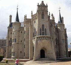 Palacio Episcopal de Astorga (León), diseñado por Antonio Gaudí.