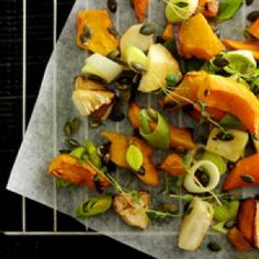 Bagt græskar med urter og hvidløg opskrift
