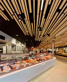 Vers Passage and Butcherstore by Arjen Reas, Zoetermeer – Netherlands Retail Interior, Cafe Interior, Interior Design, Food Court Design, Food Design, Vitrine Design, Decoration Patisserie, Meat Shop, Food Retail