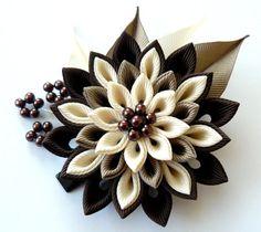 Stoff braun-Kanzashi Blume Haarspange. Schattierungen von von JuLVa